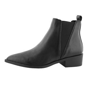 Steve Madden Jerry Chelsea Boots size 6